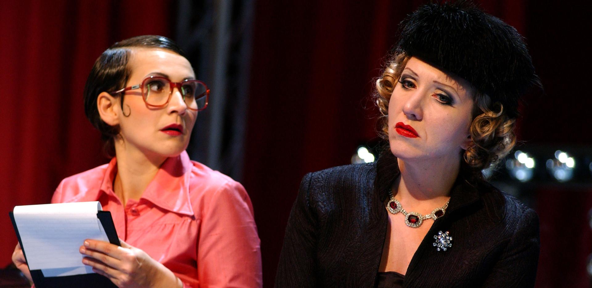 Powder her face, Oper Bonn (Journalistin: Eva Resch, Duchess: Jennifer Maines)