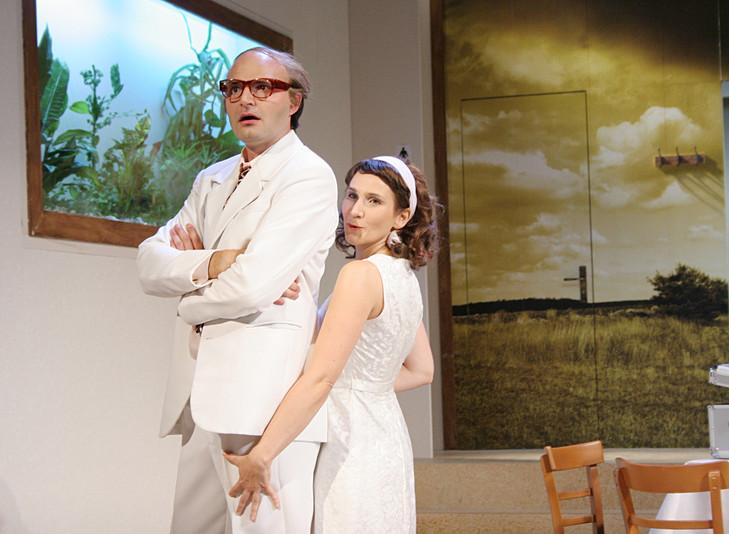 Der Liebestrank, Theater Vorpommern  (Adina: Eva Resch, Dulcamara: Bernhard Leube)