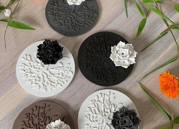 Support à encens à bâton fleur de lotus et arbre de vie