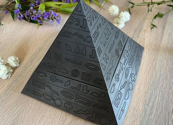 Cendrier pyramide