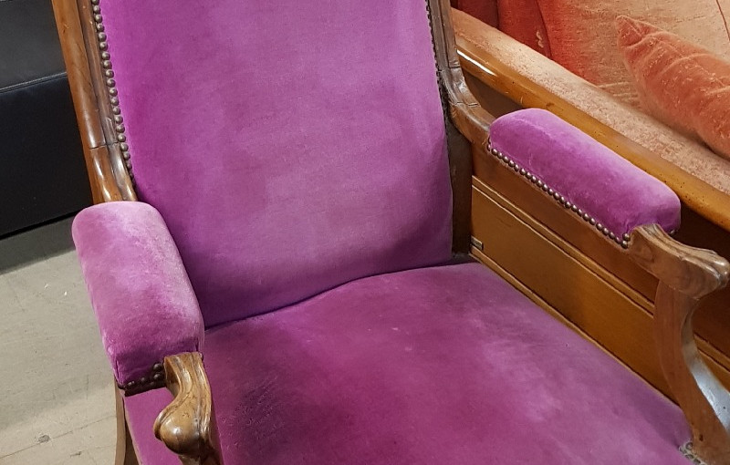 Fauteuil style voltaire rose