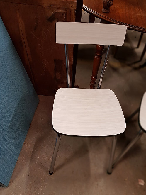 CHAISE FORMICA BLANCHE