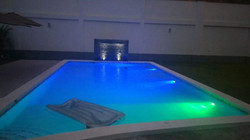PISCINA LUCES LED