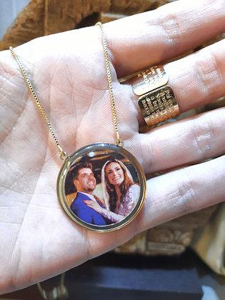 Colar medalha com foto colorida + resina acrílica