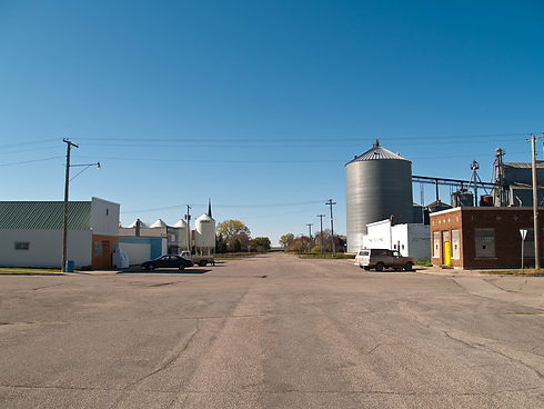 1920px-Oberon,_North_Dakota_10-15-2008.j
