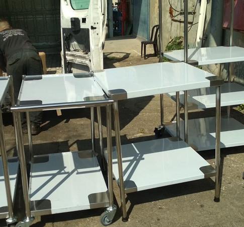 שולחן נירוסטה 9