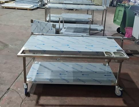 שולחן נירוסטה 15