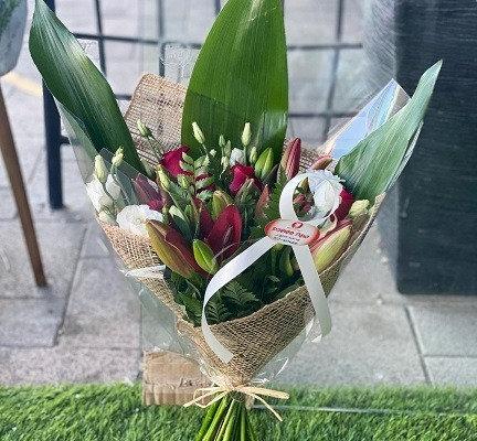 זר פרחים 9
