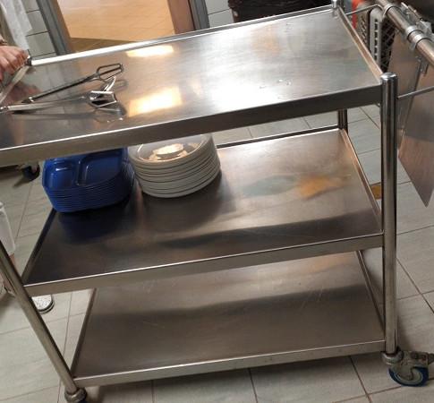 שולחן נירוסטה 11