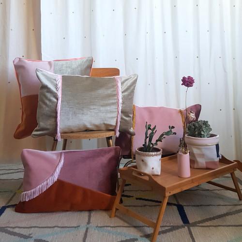 Coussin velours 60x40 frange ocre made in france gioia june décoration textile intérieur création française design