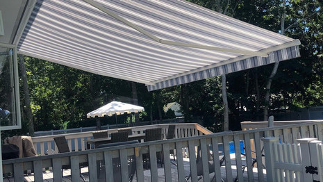 retractable awning nyc.jpg