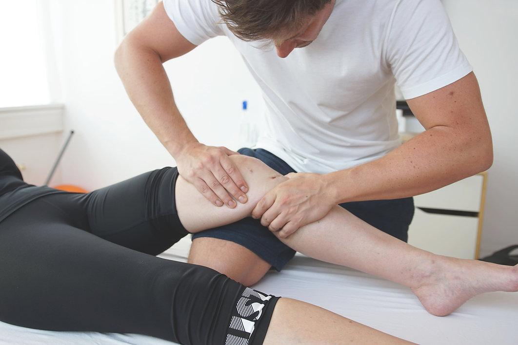 Physiotherapie_Knie_Thomas_Graf_compress