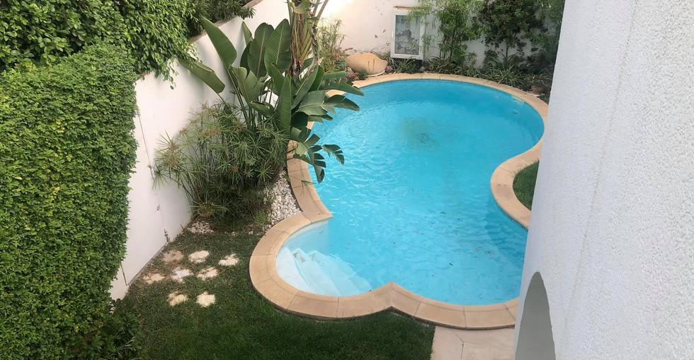 villa-avec-piscine-ennasr