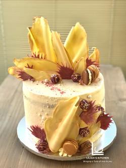 Antique Gold Chocolate Shards Cake