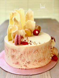 Column Chocolate Shard cake