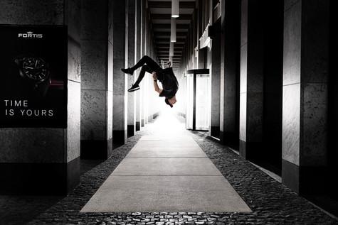 Garo_190616_Jason_Paul_Running_Reverse_0