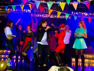 Звезды шоу-бизнеса посетили испанскую вечеринку В стриптиз-клубе для женщин.