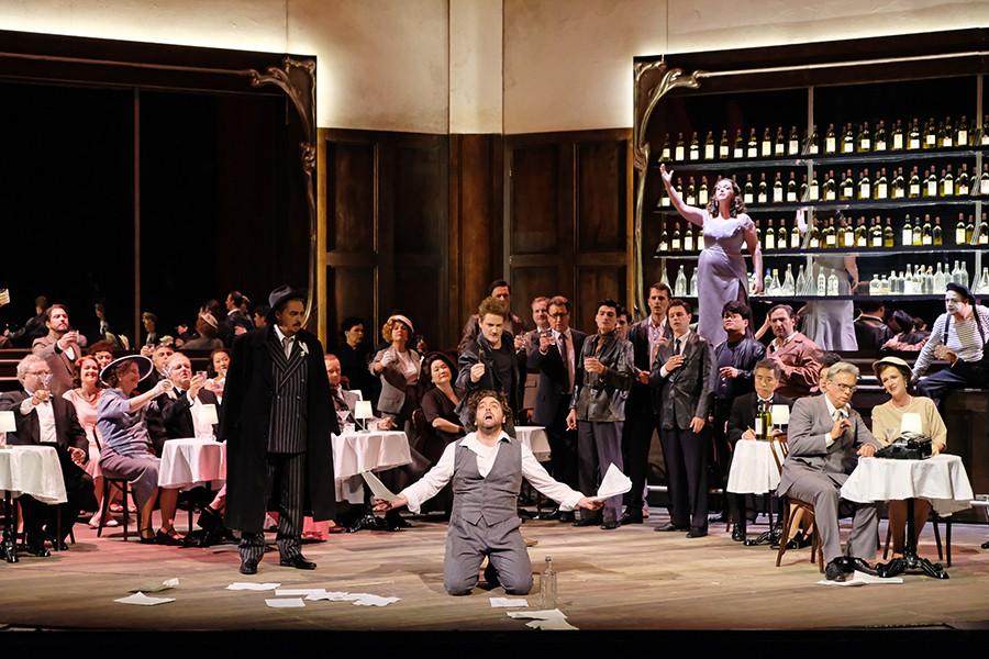 As Giulietta/Stella in Les Contes d'Hoffman