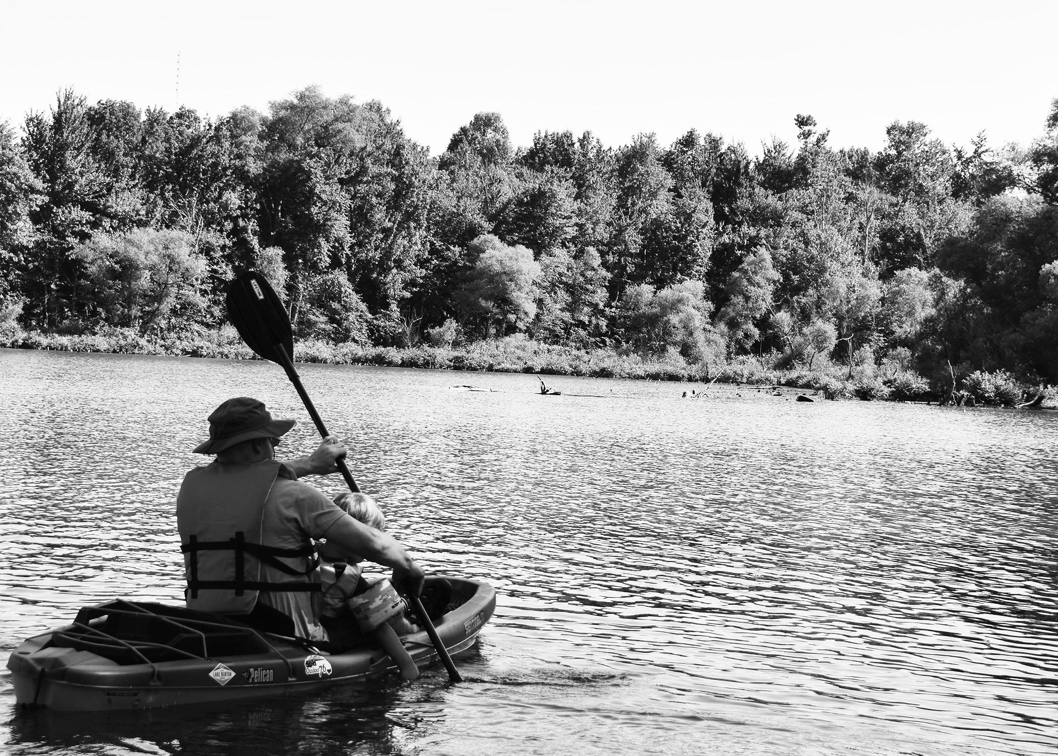 Kayak family 15