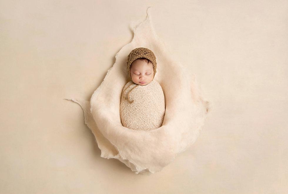 Felt beige newborn flower.jpg
