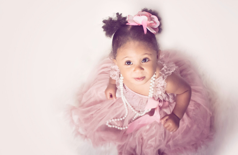 1 year old girl tutu and pearls photoshoot by bmariephotography
