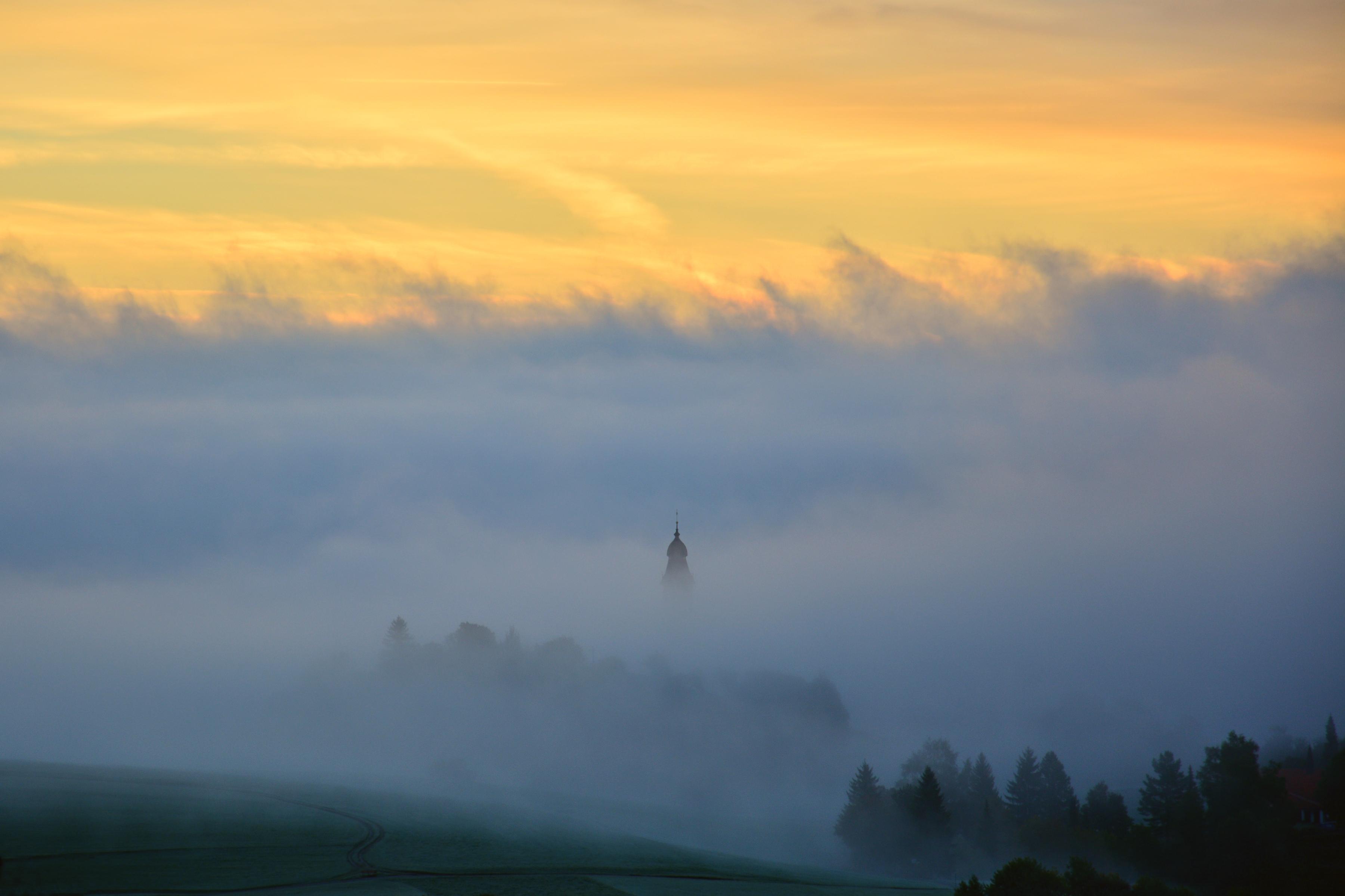 H0162 St.Nikolaus im Nebelmeer Pfronten.jpg