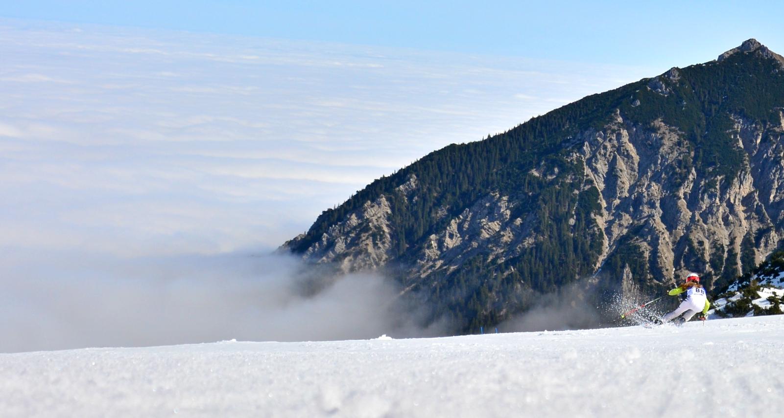 O0127_Skirennen_über_den_Wolken.jpg