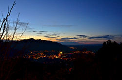 H0102 Blick aufs Pfrontener Tal vom Falkenstein Nacht.jpg