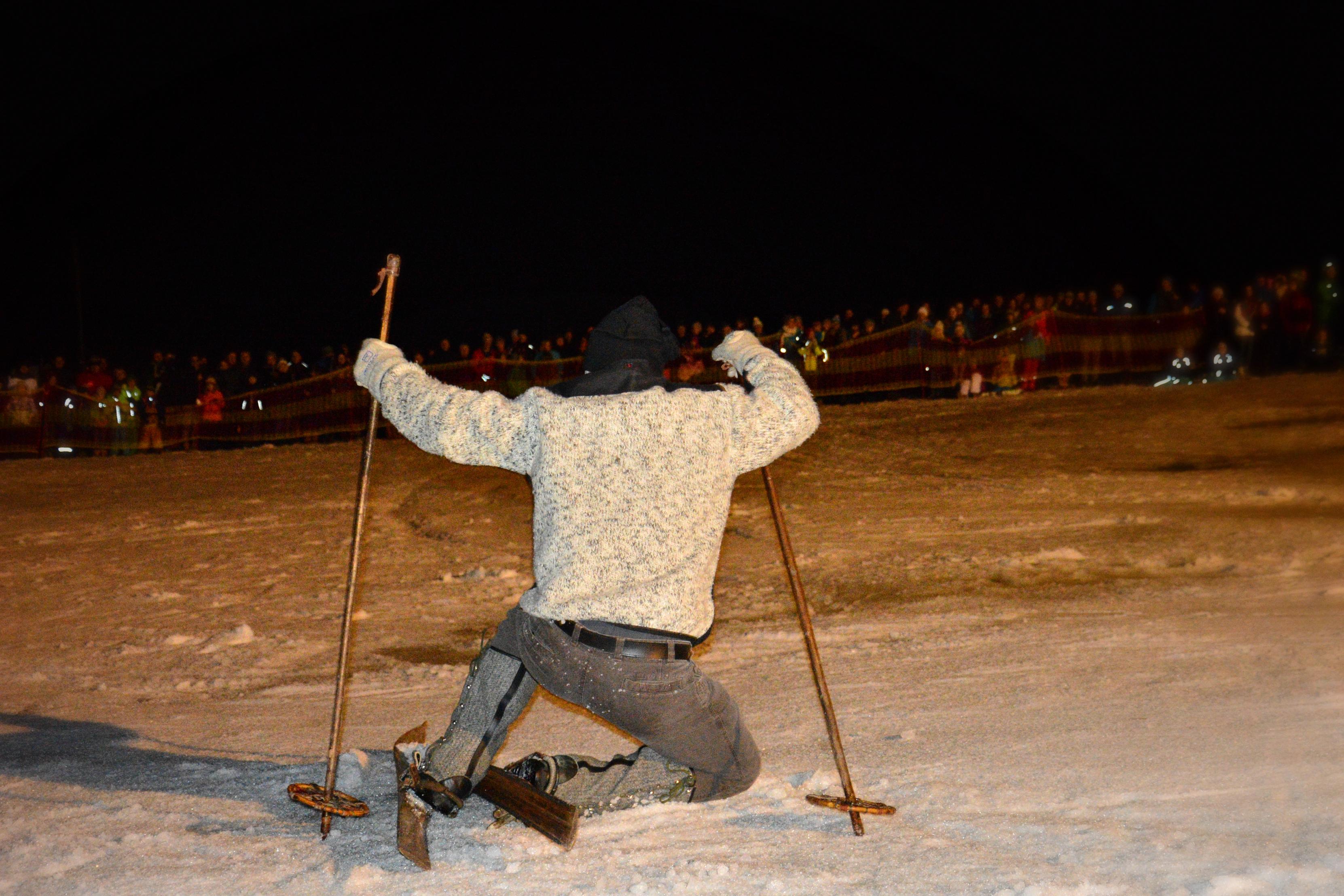 O0134 alte Skier.jpg