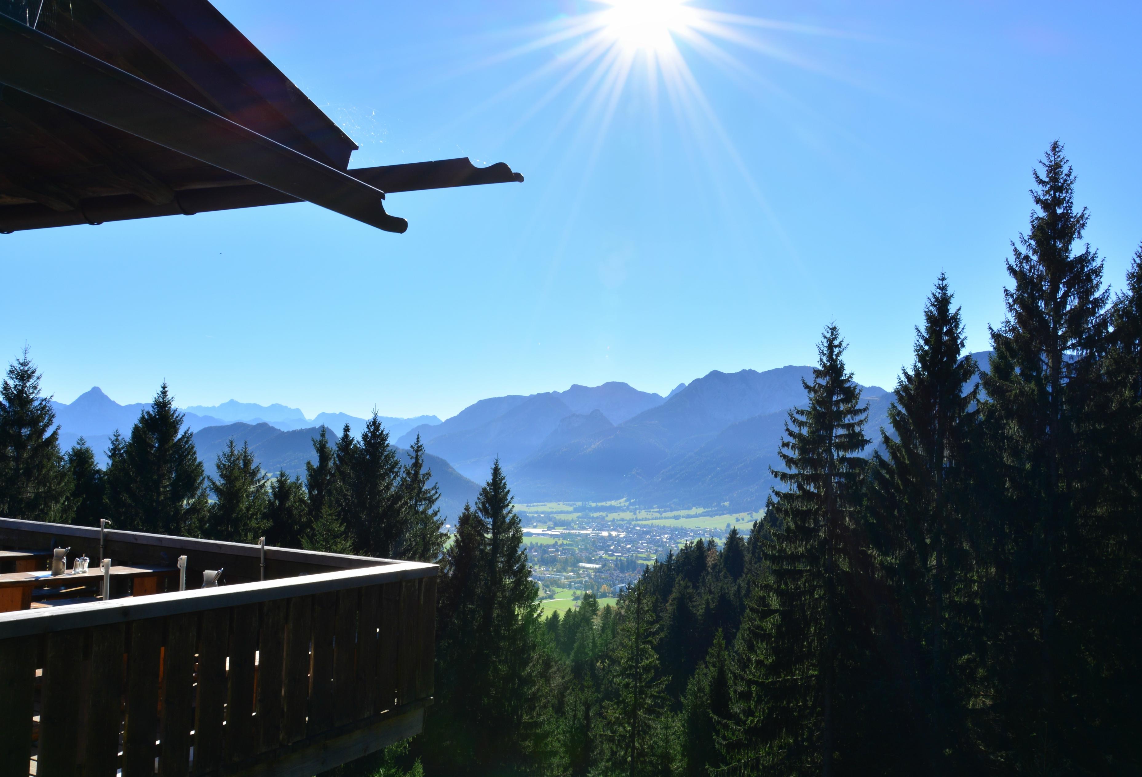 A0158_Blick_von_der_Hündleskopfhütte_ins_Pfrontner_Tal.jpg