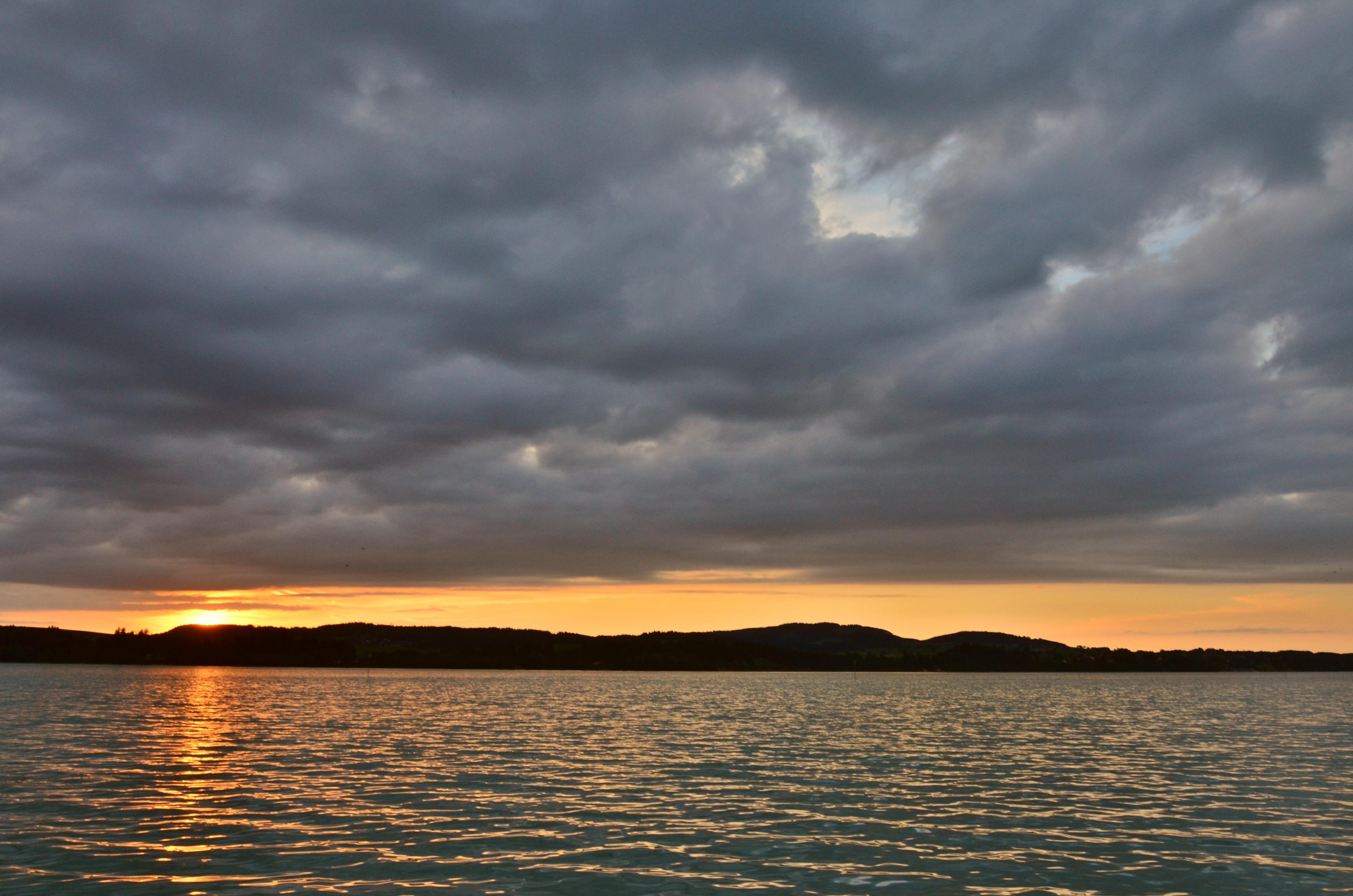 G0150 Forggensee Brunnen Sonnenuntergang2.jpg
