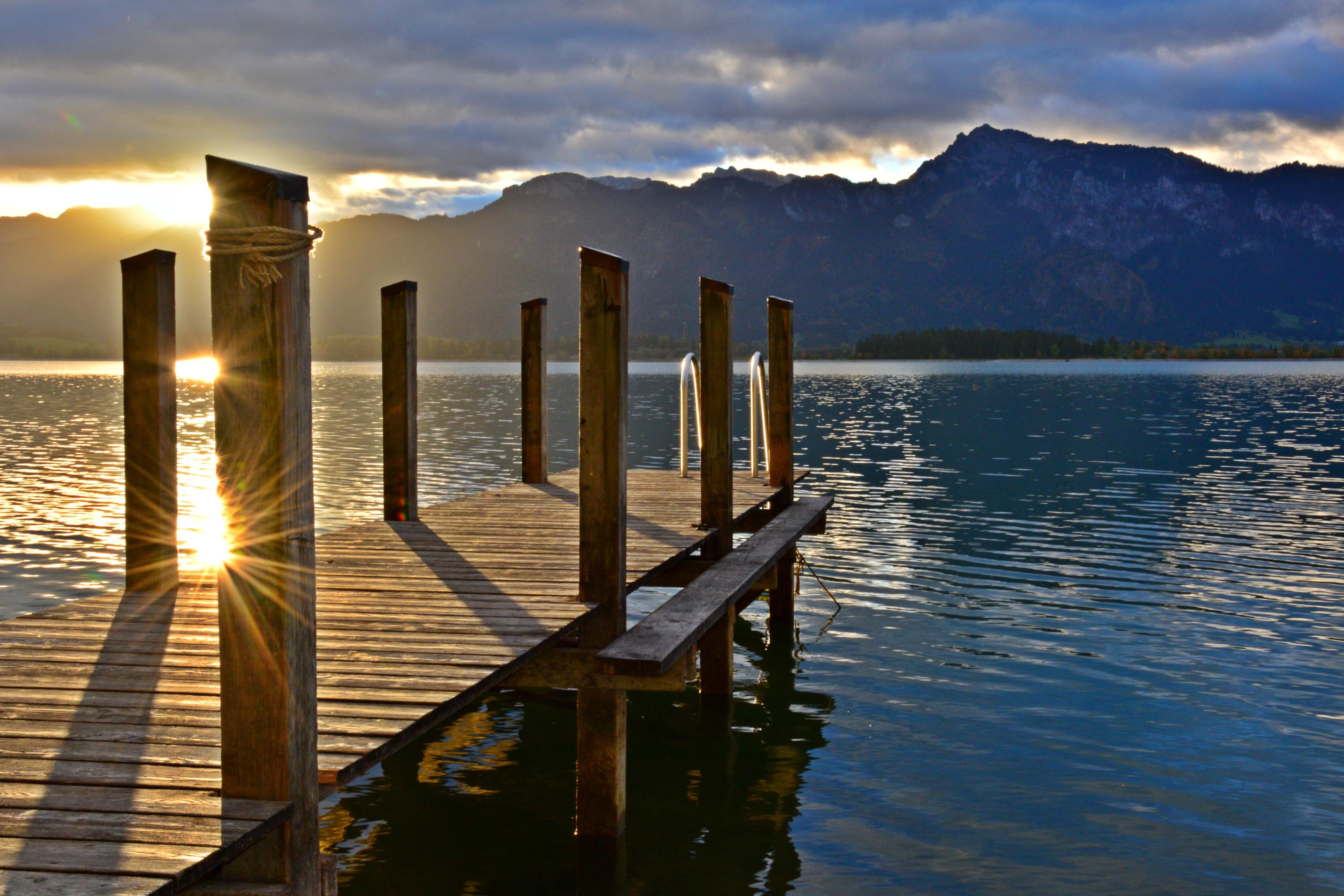 G0322 Morgensonne am Forggenseesteg.jpg