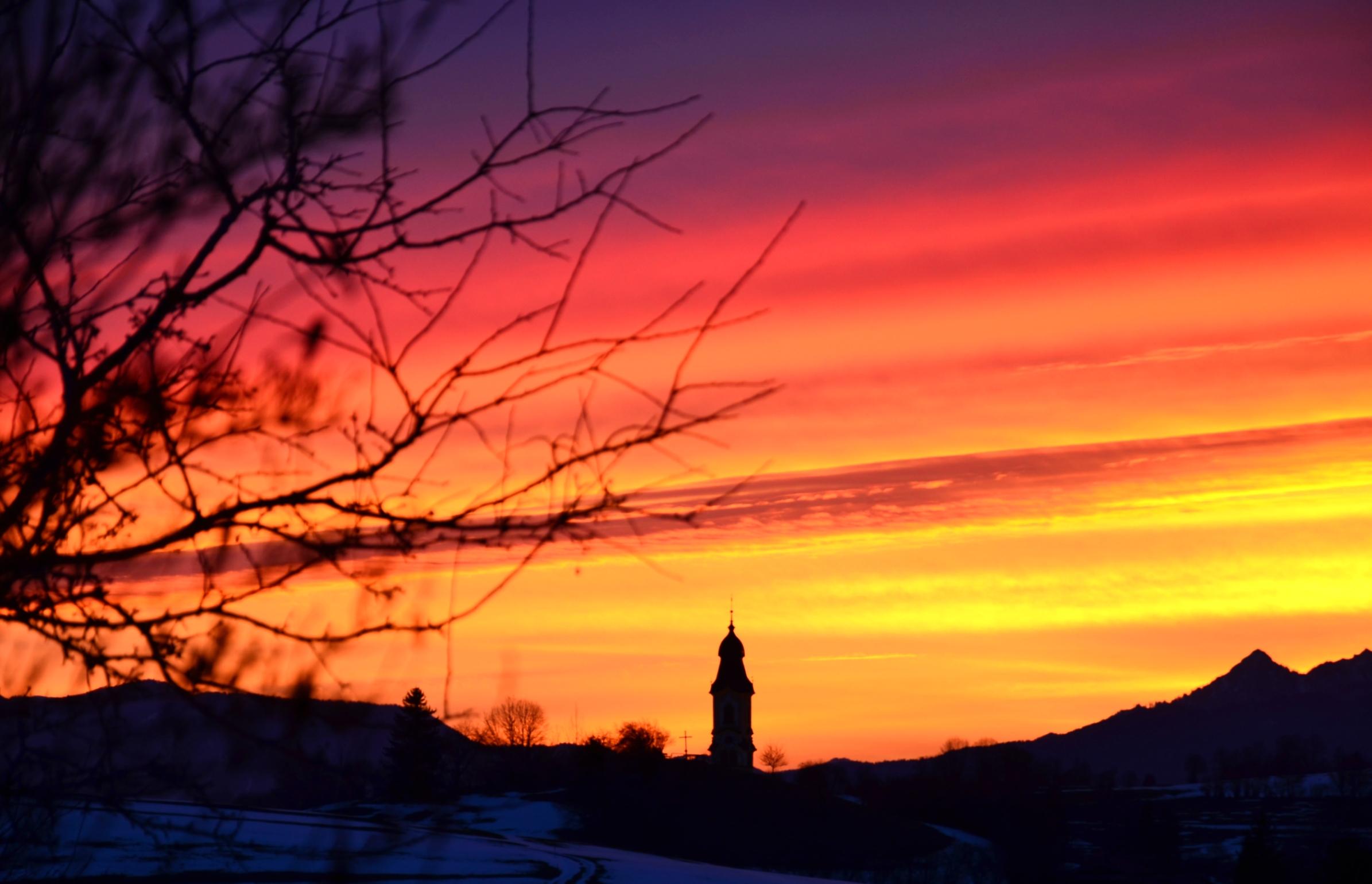 W0100 Morgenrot Pfronten Kirche.jpg