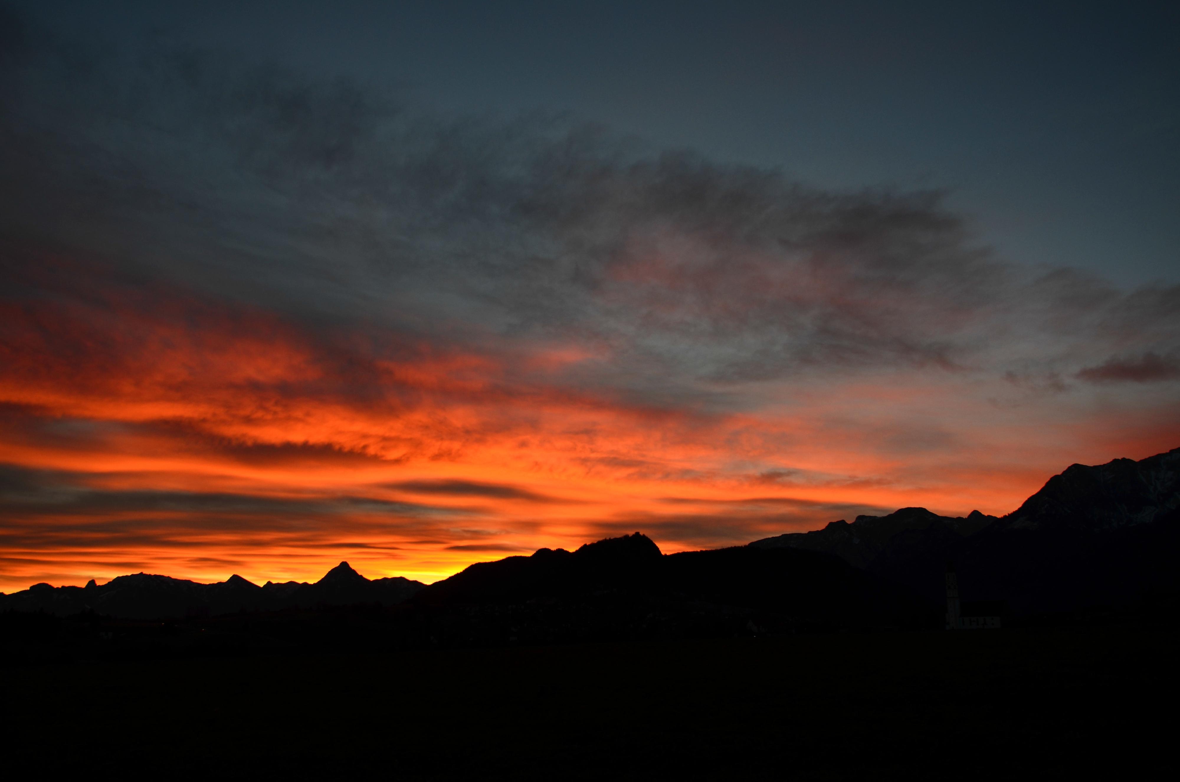 W0164 Morgenrot Berge um Pfronten.jpg