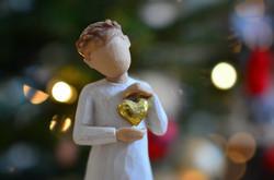 O0116 Weihnachtsengel mit Herz.jpg