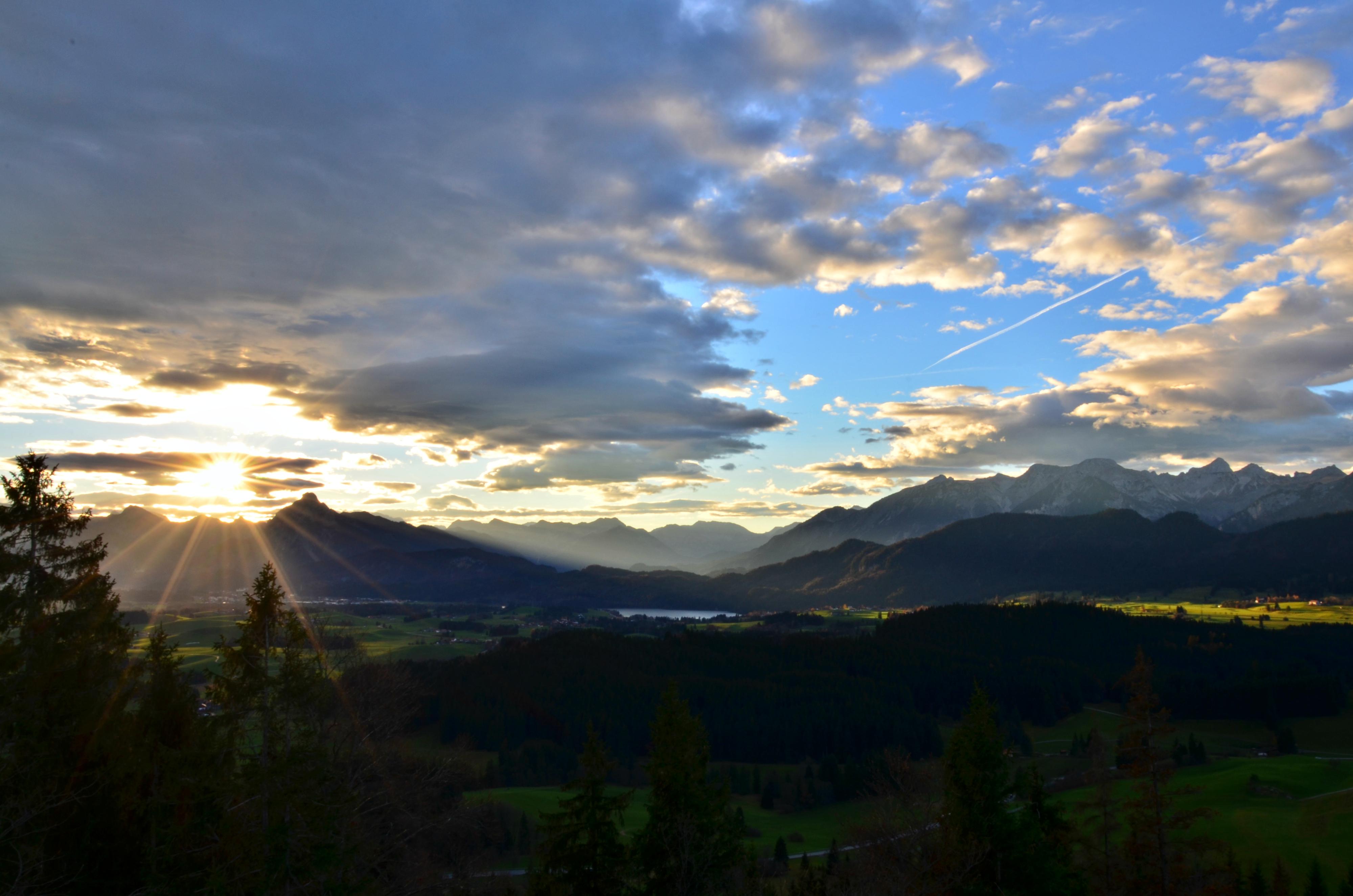 B0068 Herbstmorgen auf der Ruine Frey-und Eisenberg.jpg