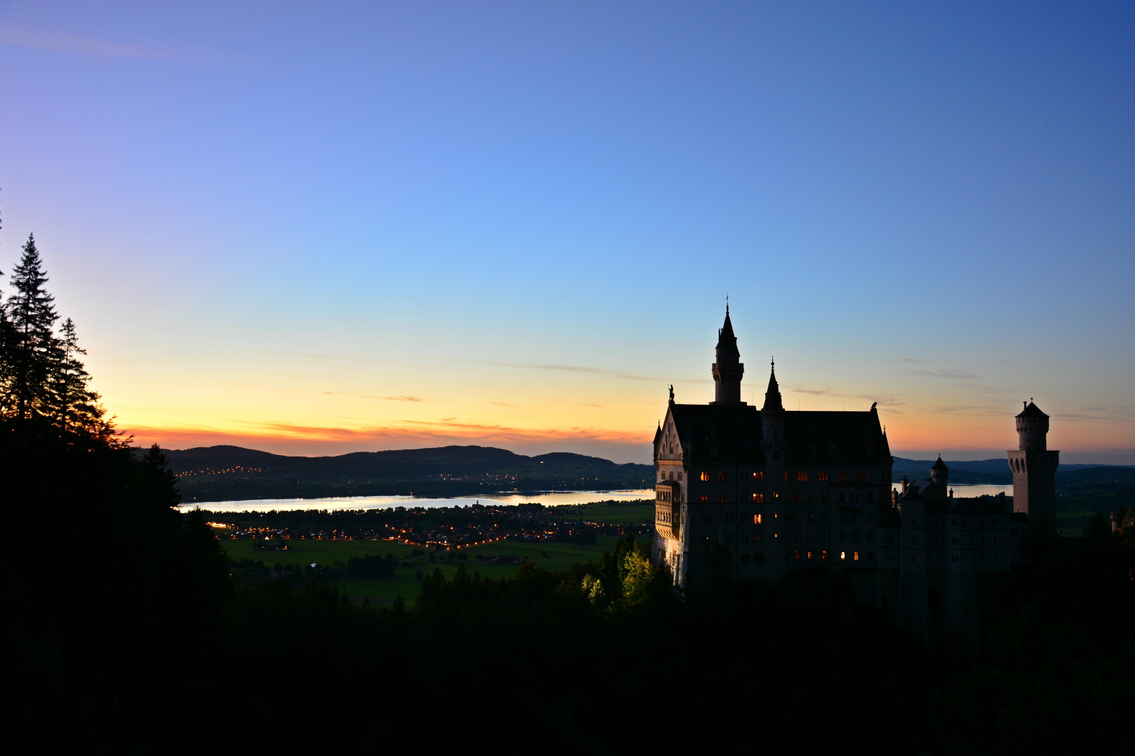 B0099 Schloss Neuschwanstein bei Nacht.jpg
