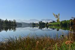 G0319 Klarer Herbstmorgen am Schwaltenweiher bei Seeg.jpg