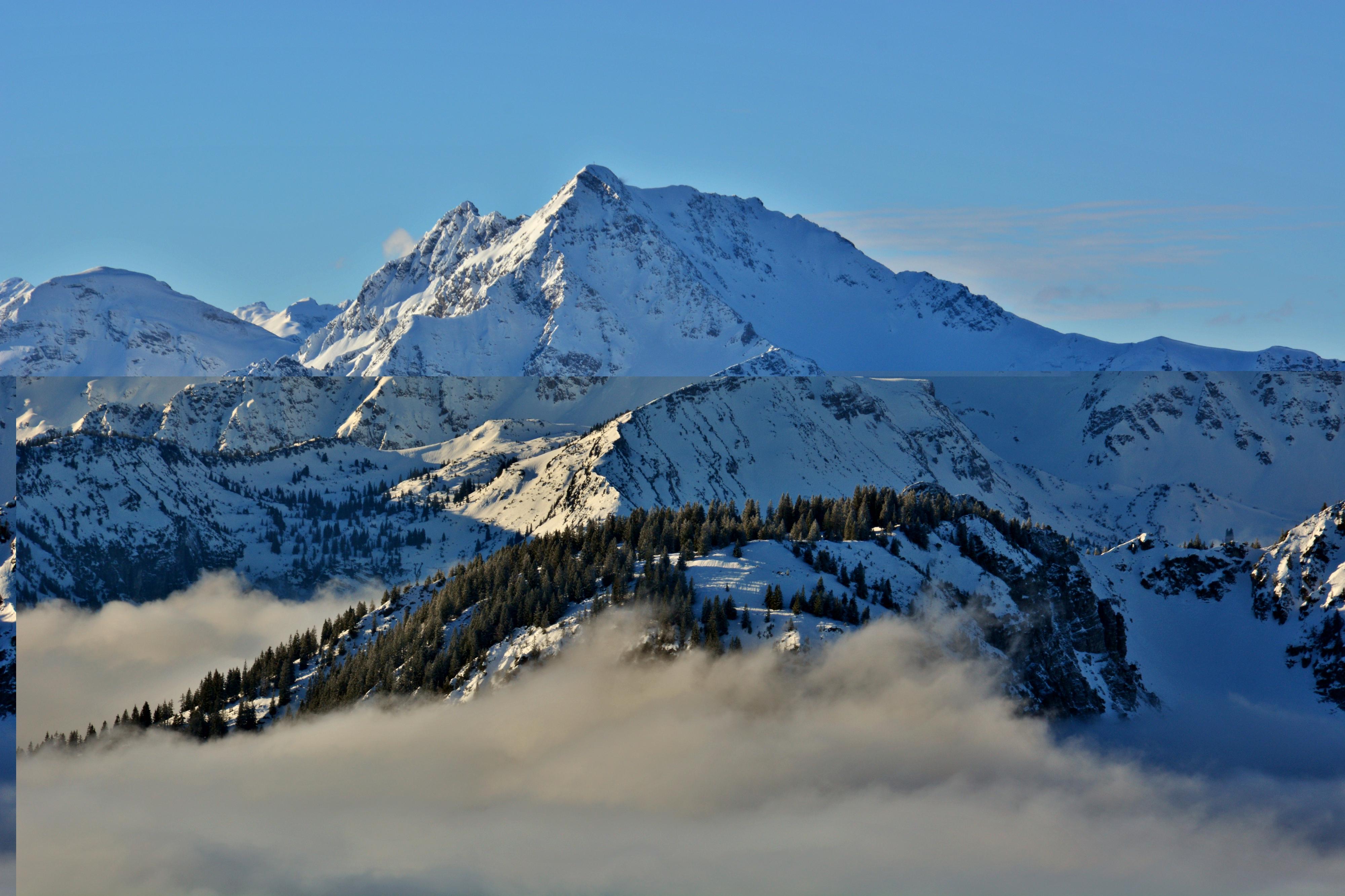 W0310_Bergwelt_über_den_Wolken.jpg