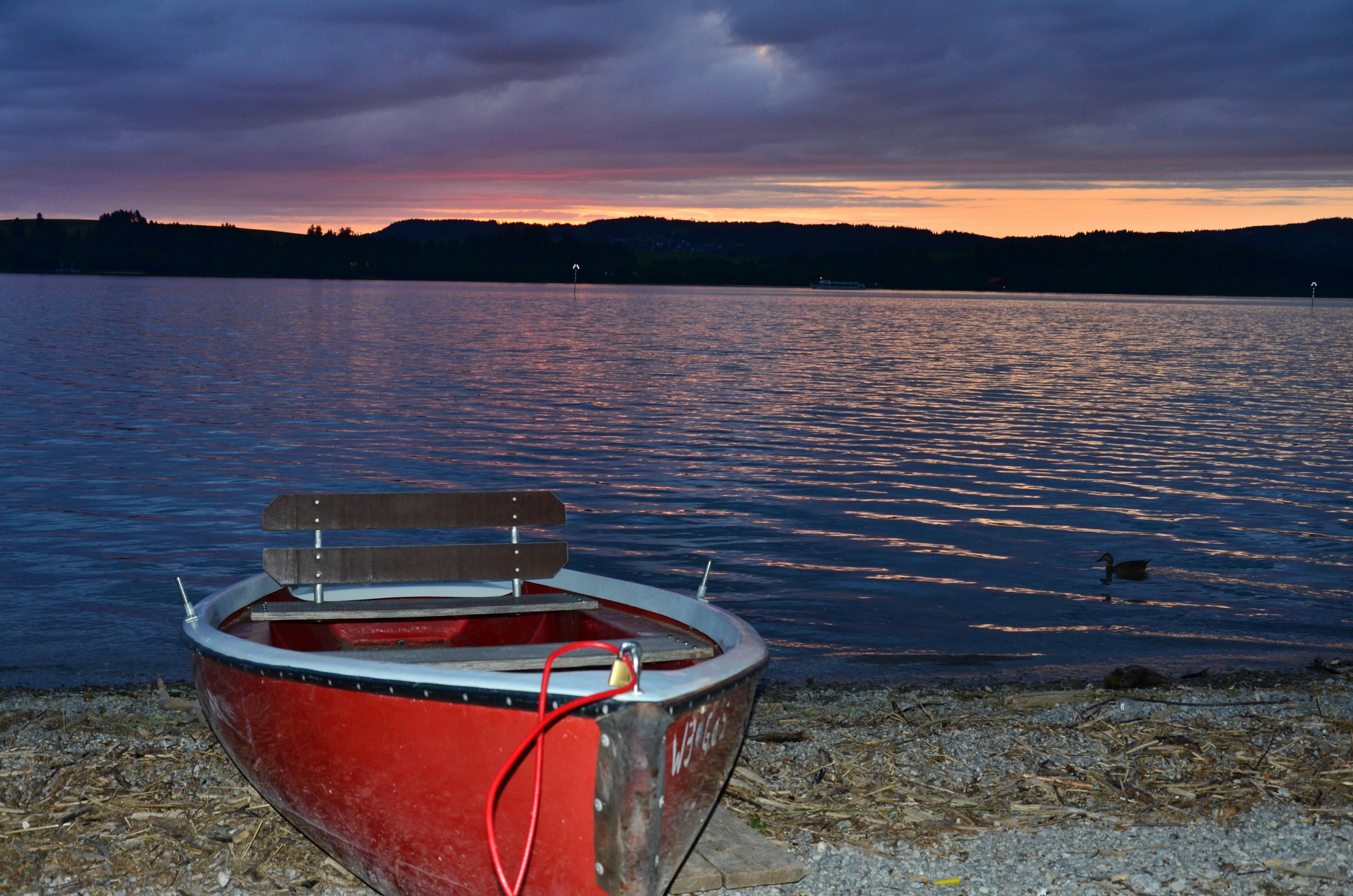 G0154 Abendstimmung am Forggensee mit Boot.jpg