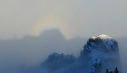 A0129 Regenbogen im Nebel am Tegelberg