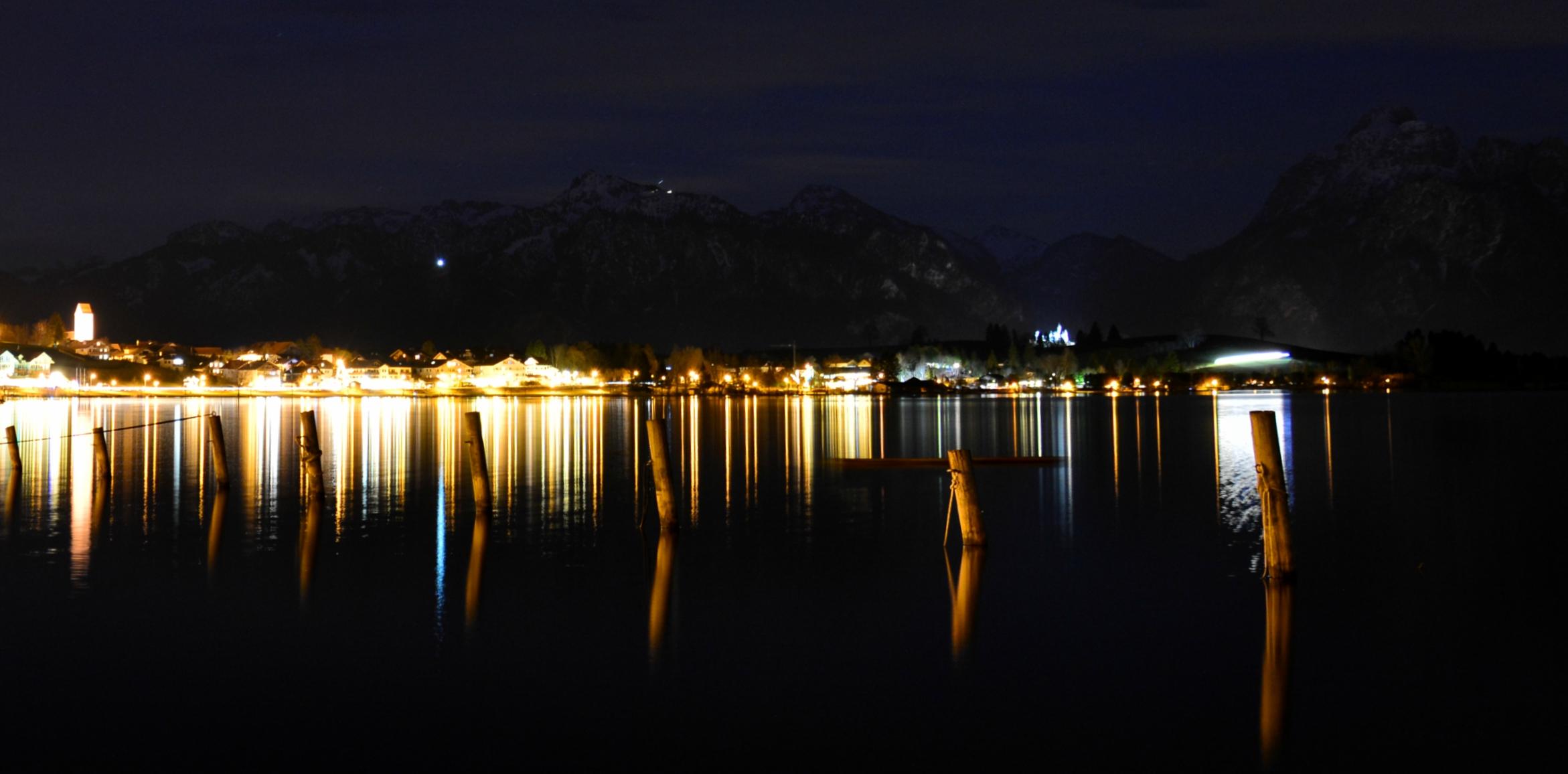 G0266 Lichterspiegelung am Hopfensee.jpg
