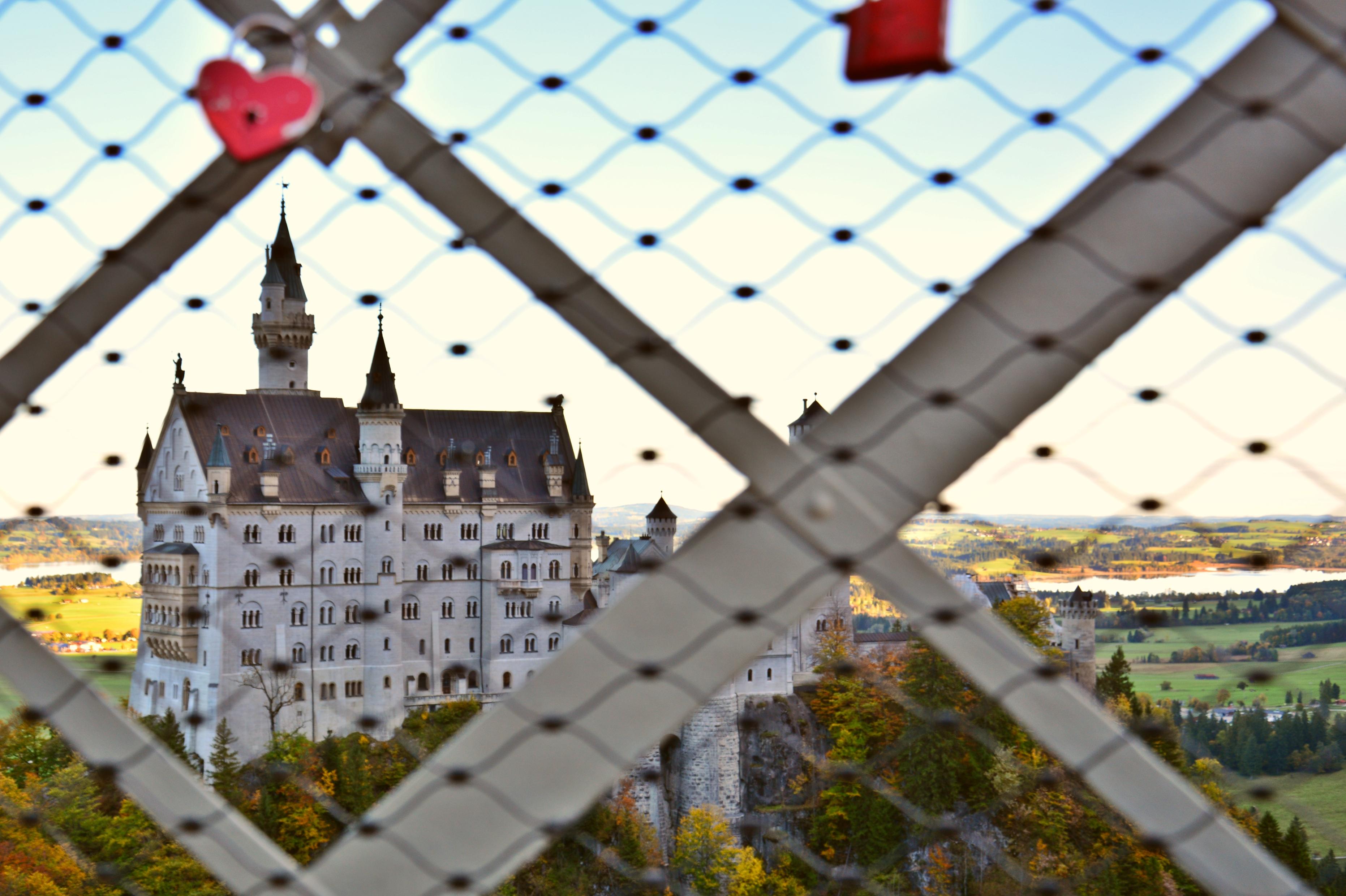 B0123 Herz am Schloss Neuschwangau.jpg