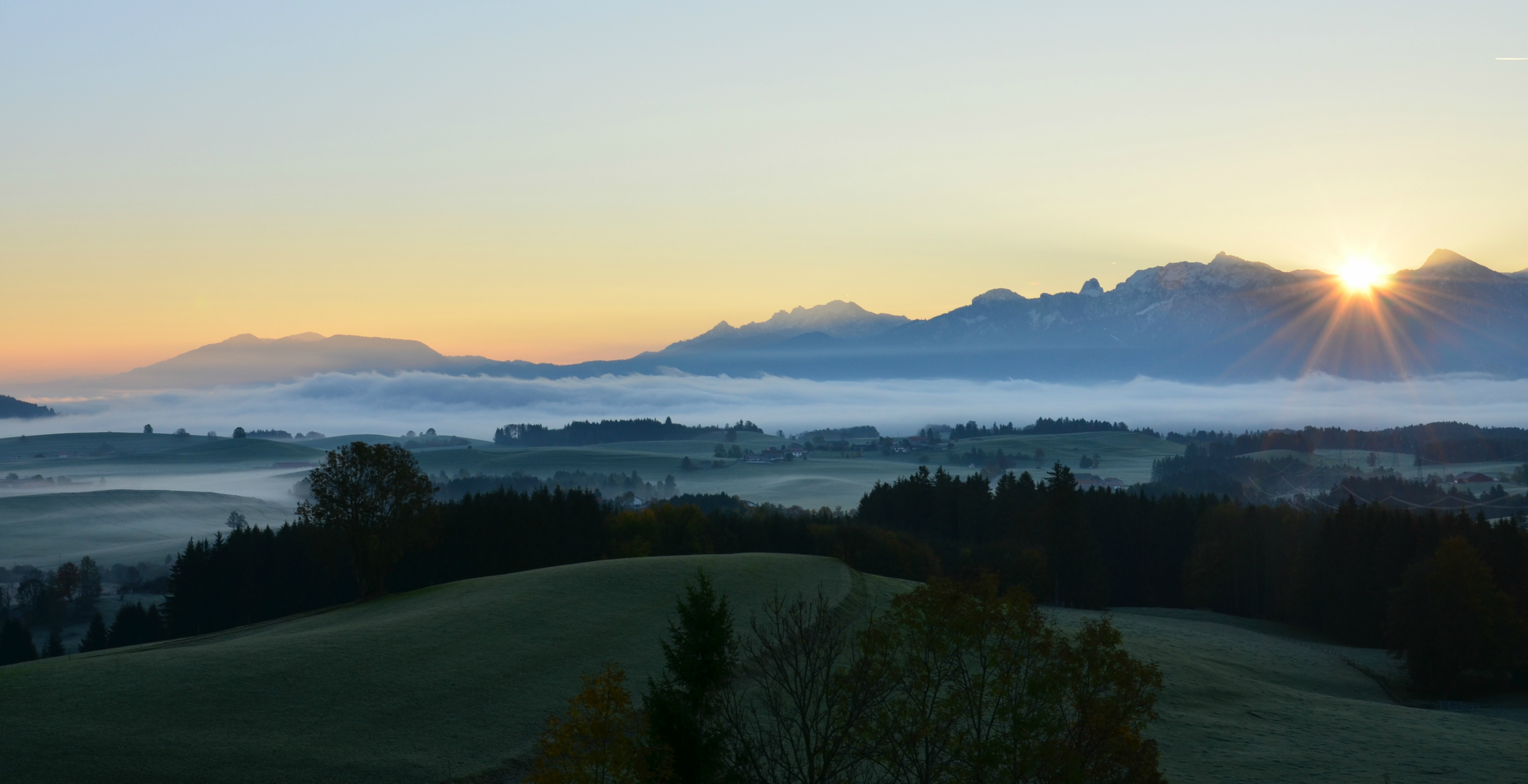H0125_Sonnenaufgang_Nebelmorgen_Oberdeusch_Füssener_Land.jpg