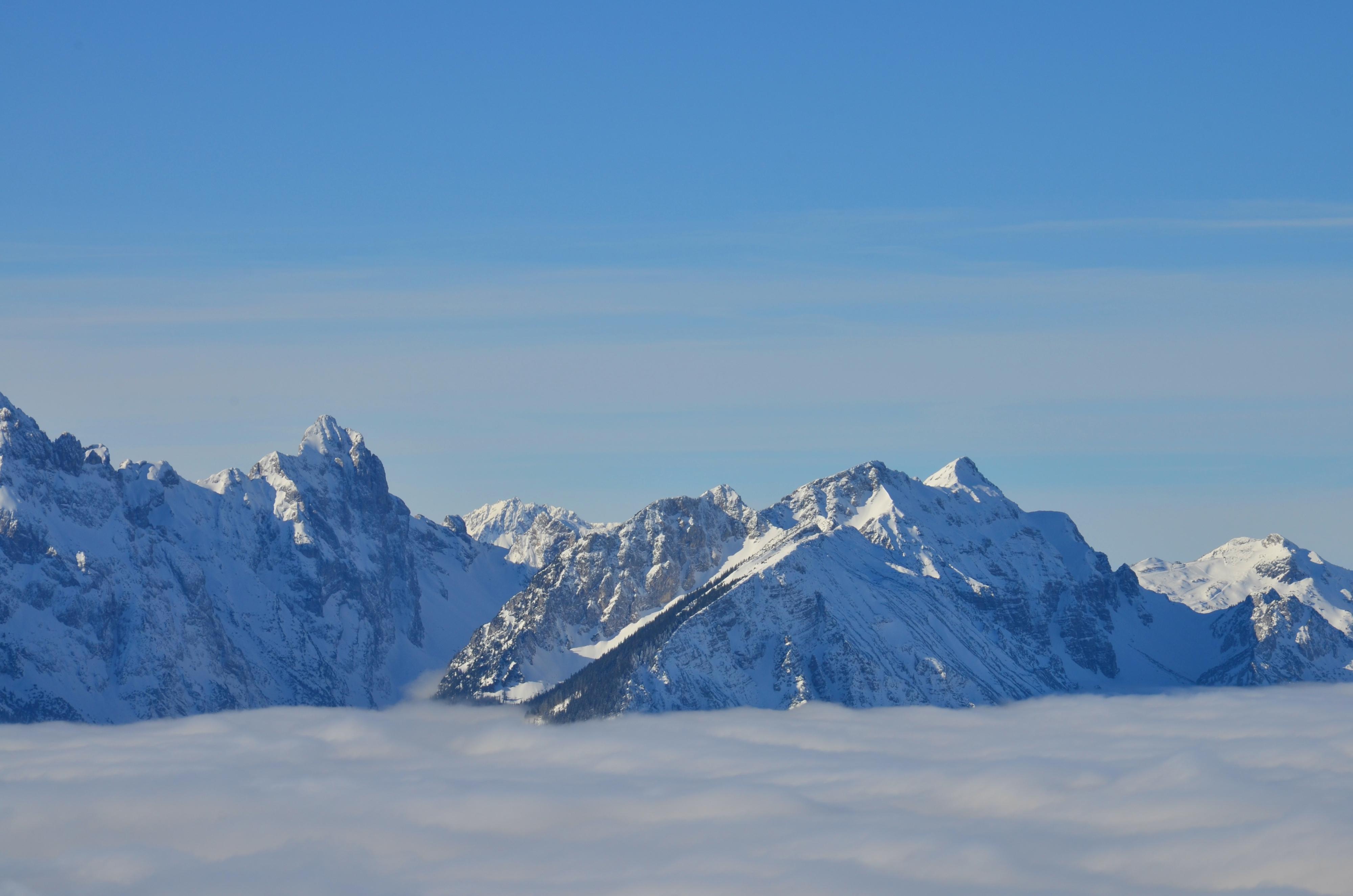 A0132 Berge im Nebelmeer v. Tegelberg