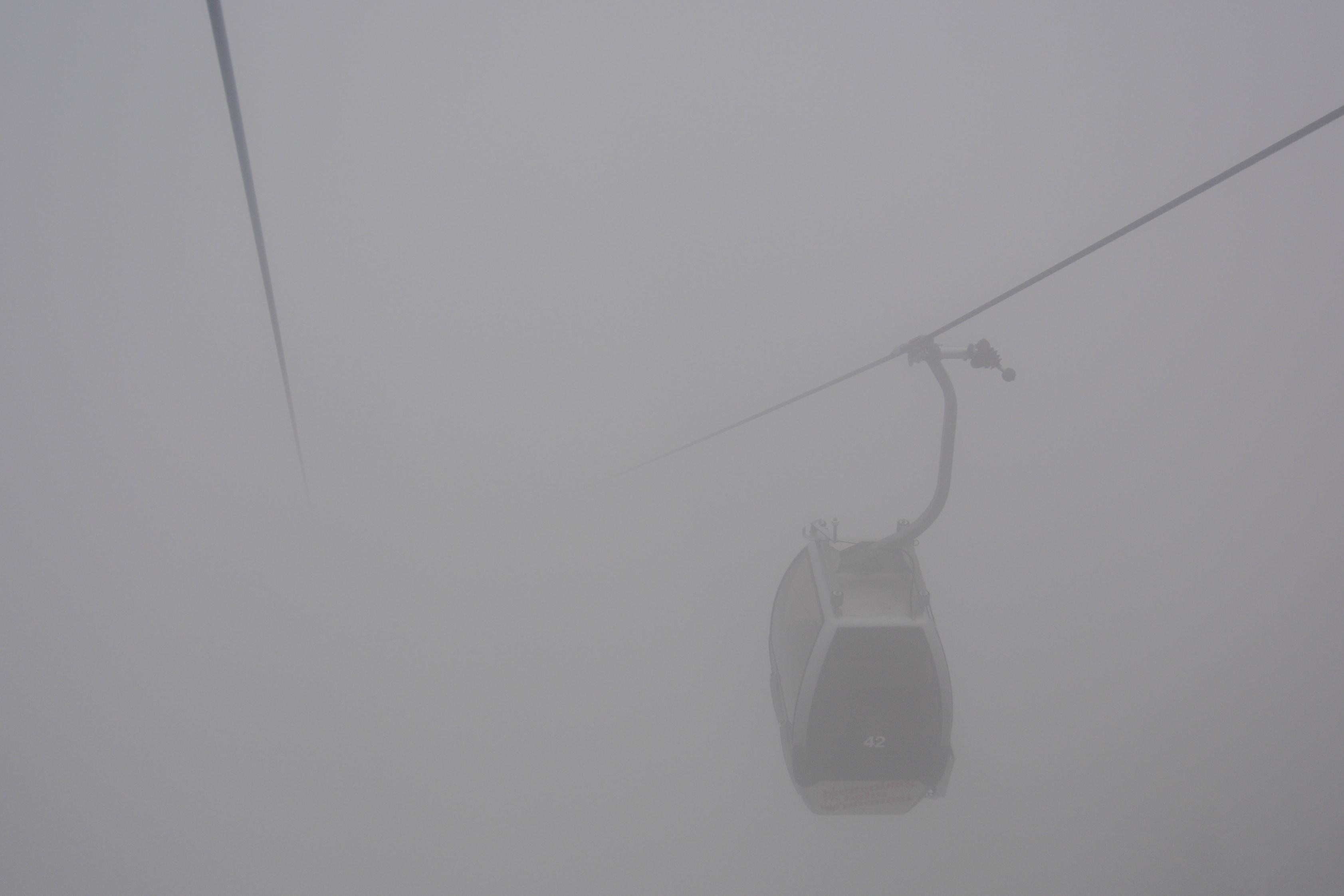 W0323 Gondel im Nebel.jpg