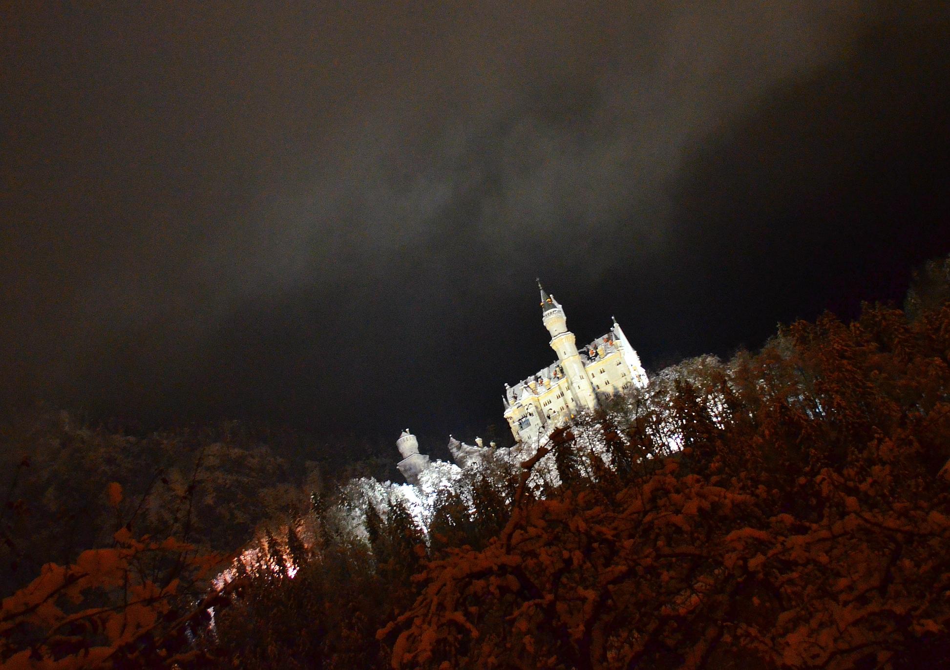 B0018 Winternacht am Schloss