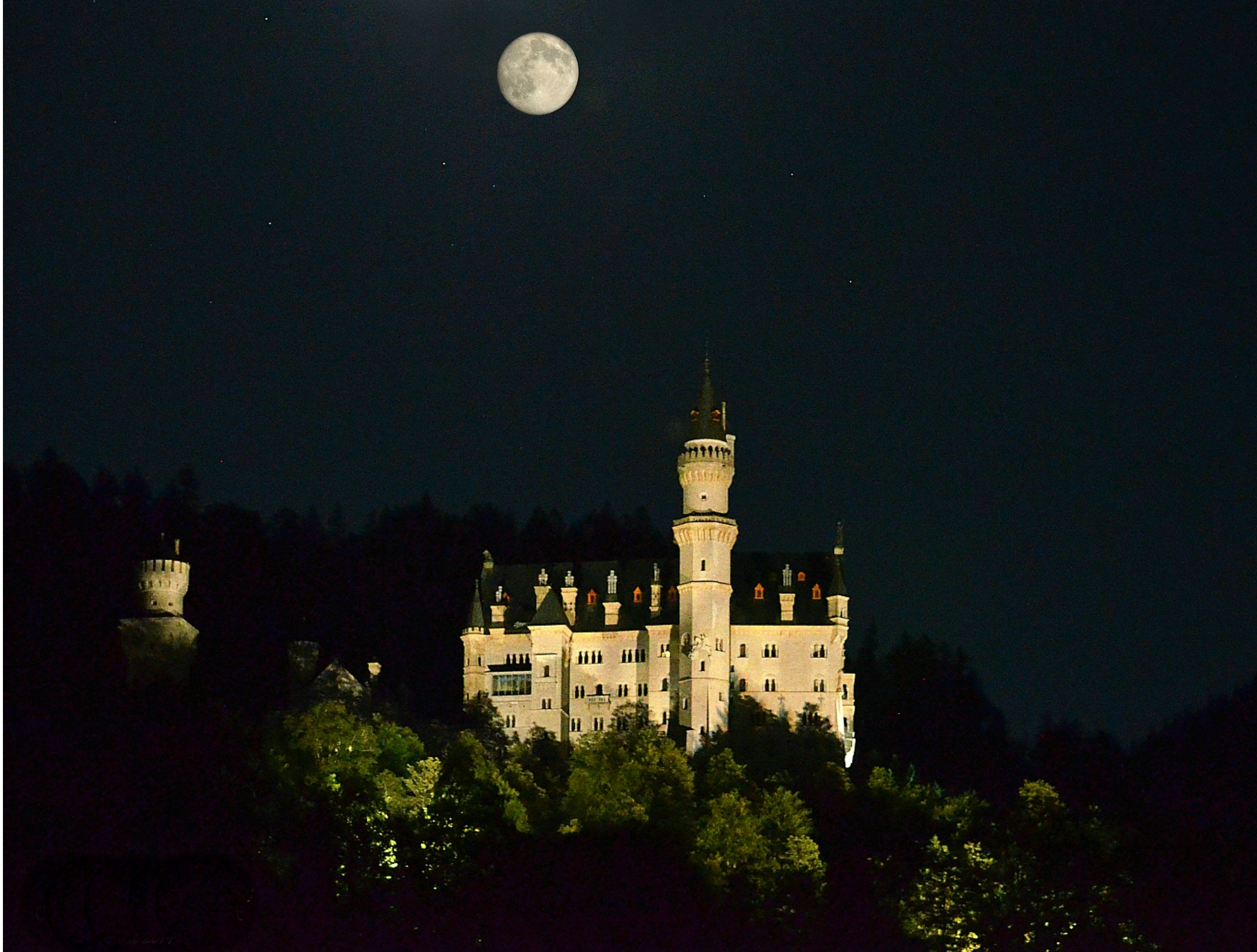 B0030 Vollmond SchlossNeuschwanstein