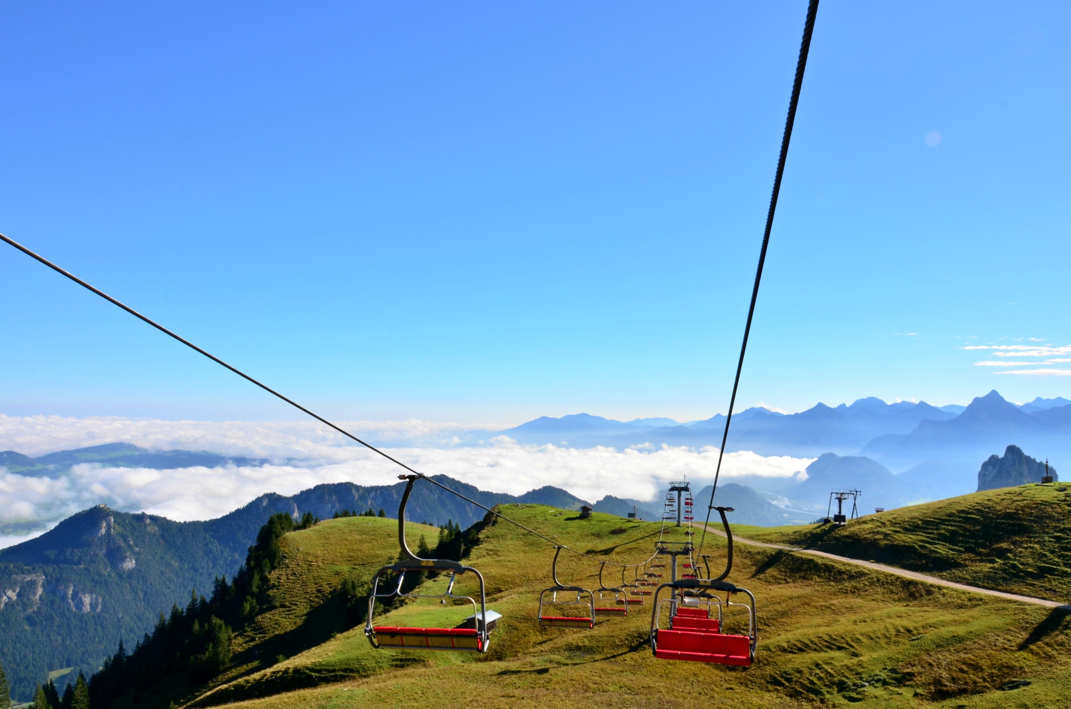 A0123 Sessellift aus dem Nebel am Breitenberg Pfronten.jpg