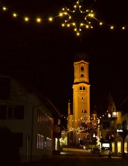 W0051 Nesselwang Weihnachten Stern Kirche.jpg
